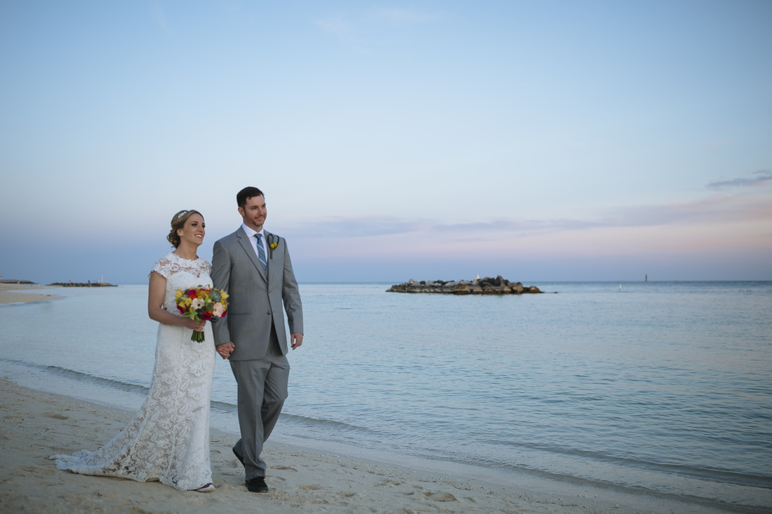 Fort Zachary Taylor Beach ceremony, Fort Zachary Taylor Key West, Beach Ceremony Picture, Key West wedding Photography,