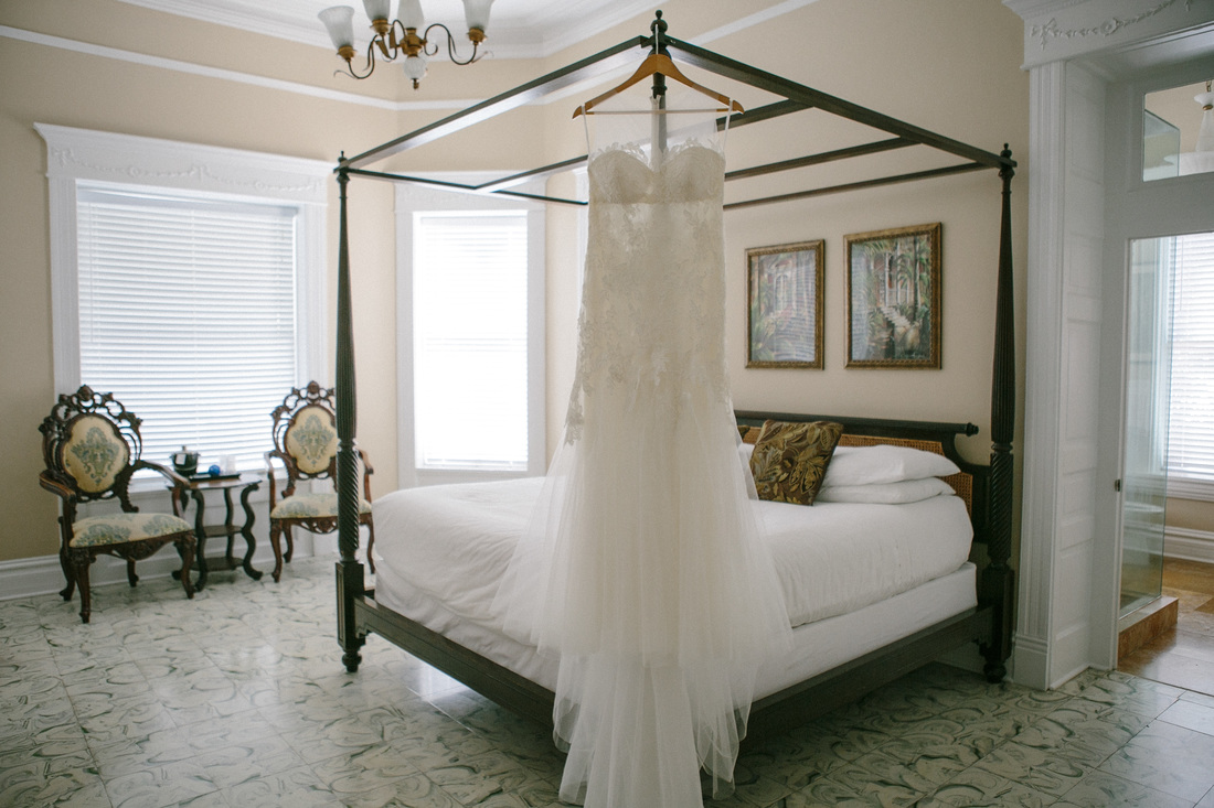 Wedding Gown picture, Southernmost House wedding