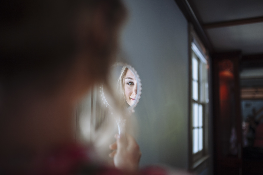 Weddings By Romi, Candid wedding pictures, Bride getting ready, close up of the bride, key west wedding, beach wedding,