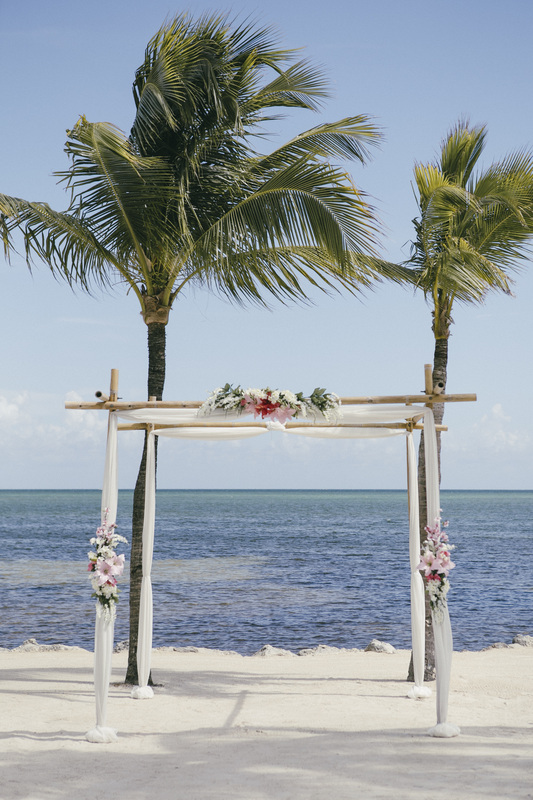Cheeca Lodge and Spa, Cheeca Lodge Wedding Picture, Beach Wedding, Islamorada Wedding, Florida keys Wedding, Key West Wedding Photographer, Key West Wedding Photography, Wedding Arch, Destination Wedding,