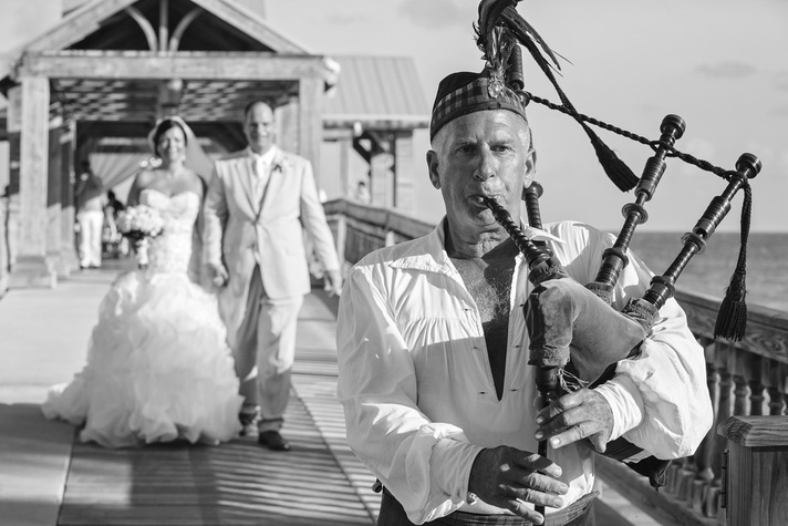bag piper during the wedding picture, bag piper in key west, key west bag piper, key west wedding photographers, florida keys wedding photography, the waldorf astoria,