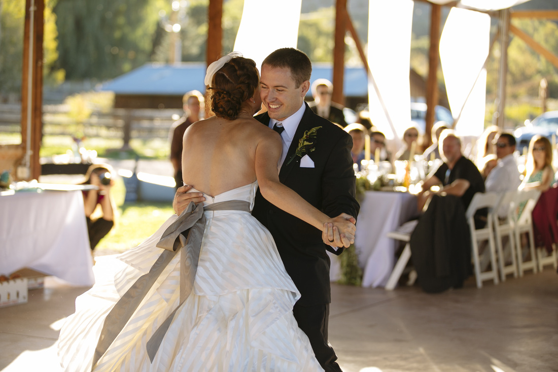 country wedding, colorado wedding, reception location in aspen, first dance picture