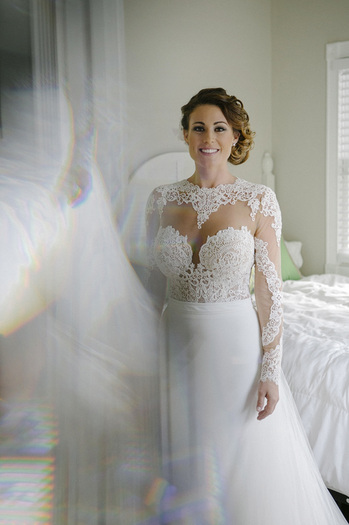 bridal photos, wedding gown, lace wedding gown
