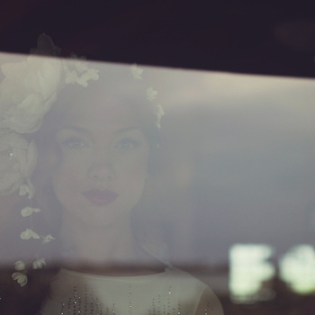 bride inspiration photos, double exposure, bride reflection, red lipstick during the wedding